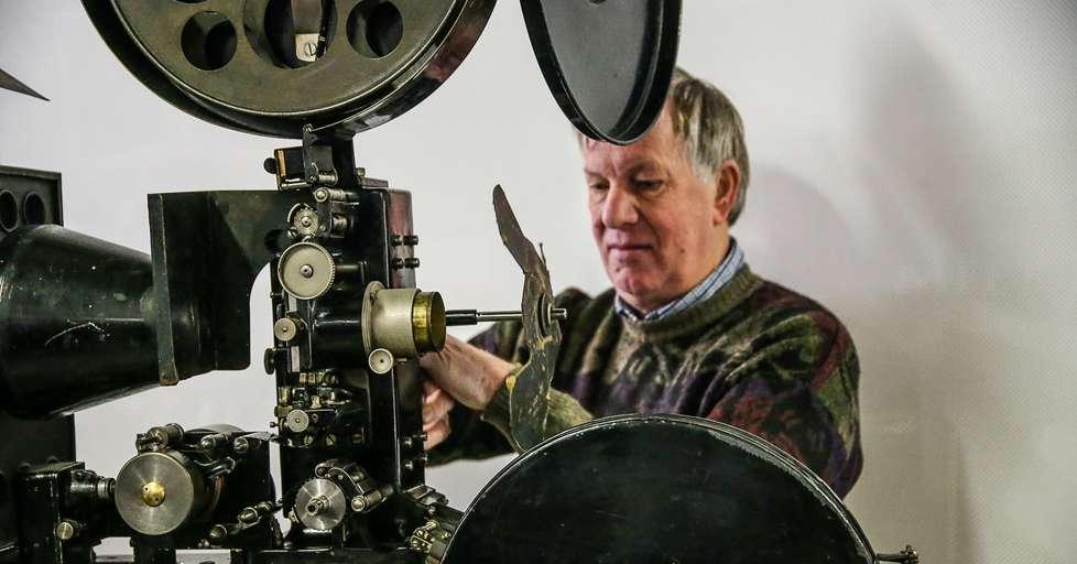 Bolzano restaurata l 39 antica macchina di proiezione al for Cine museum bolzano