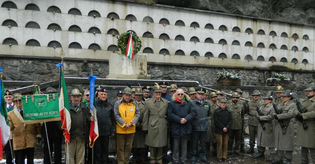 Vipiteno, commemorati i caduti alla caserma Menini ...