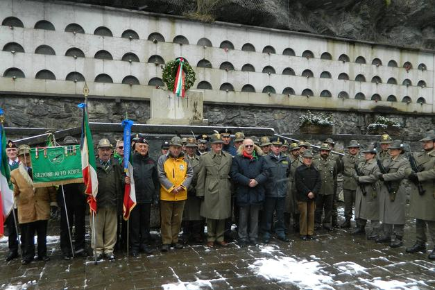 Vipiteno, commemorati i caduti alla caserma Menini - Bressanone ...