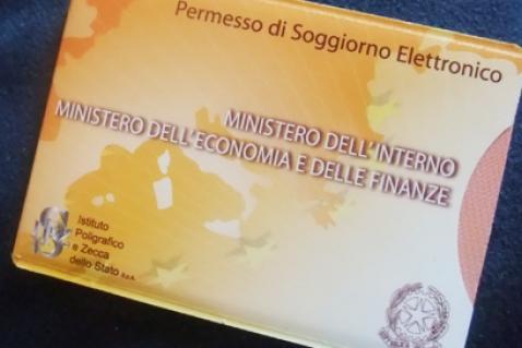 Rinnovo carta di soggiorno per motivi familiari 28 for Polizia di stato stranieri carta di soggiorno