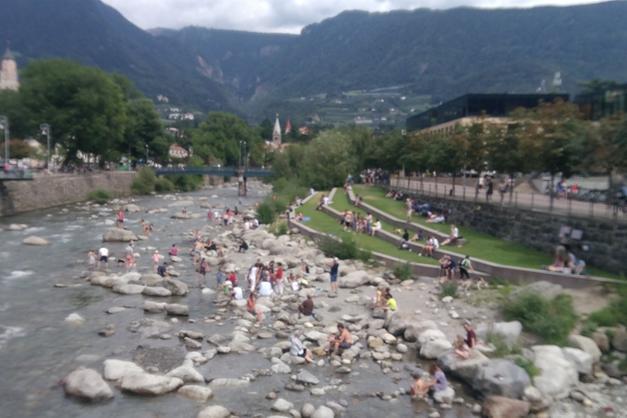 In cerca di fresco tra i flutti del fiume - Merano - Alto Adige