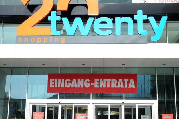 Il Centro commerciale Twenty: «Aperti domeniche e festivi ...