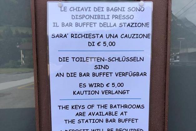 Cartello Per Bagno Donne : Colle isarco ai bagni della stazione solo con 5 euro di cauzione