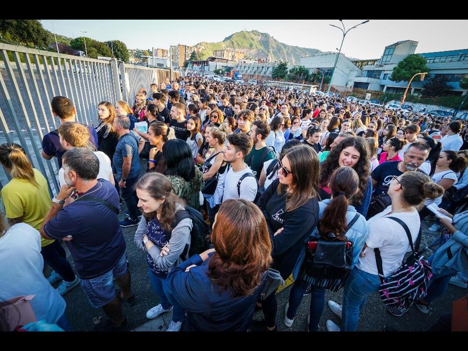 Firenze, in migliaia alla Fortezza per il test d'ingresso a Medicina