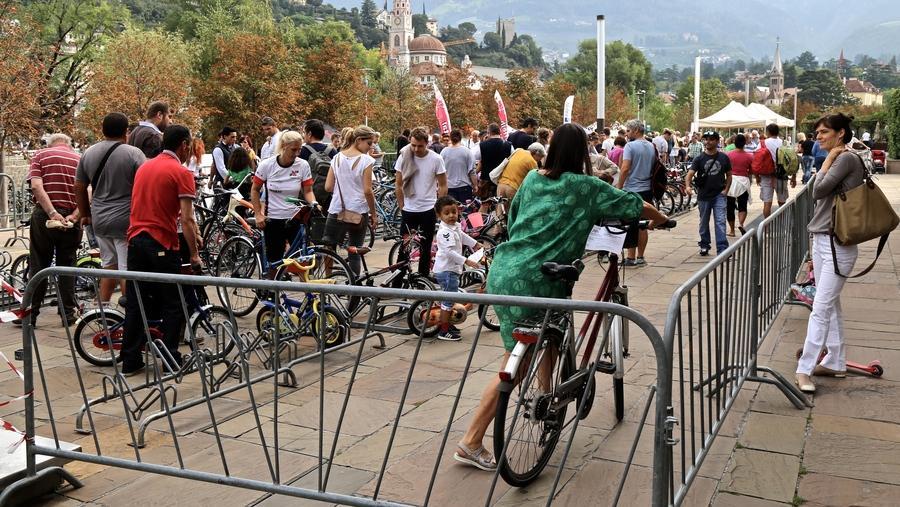 La u cseconda vitau d delle bici sboccia in piazza terme venosta