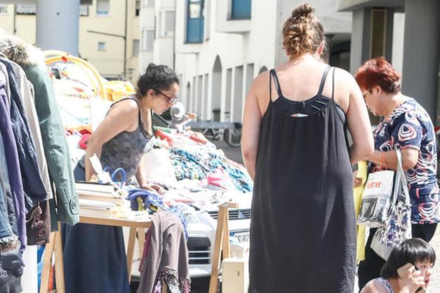 22cb625e06f2 Perché buttare vestiti che potrebbero andare bene a qualcun altro  Perché  non utilizzare una carrozzina di seconda mano  L Associazione La Vispa  Teresa