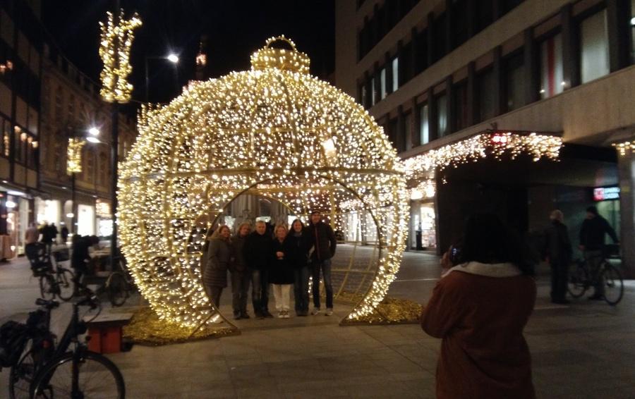 Illuminazione natalizia a pisa la risposta di confesercenti