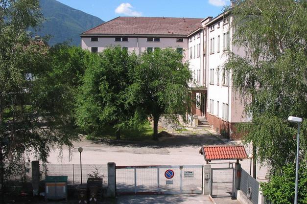 All ex caserma schenoni solo alloggi per militari for Alloggi a bressanone
