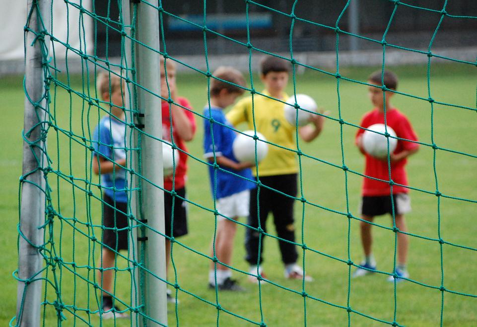 Calcio Per Bambini Bolzano : Miniexcelsioru d la scuola di calcio che insegna a vivere bolzano
