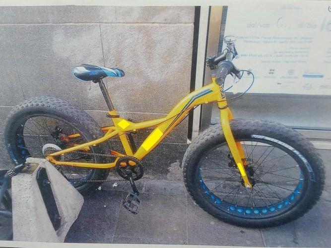 Bolzano ruba una bici con la tranciatrice denunciato bolzano