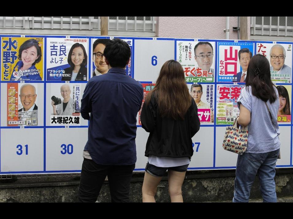 Shinzo Abe resta in sella