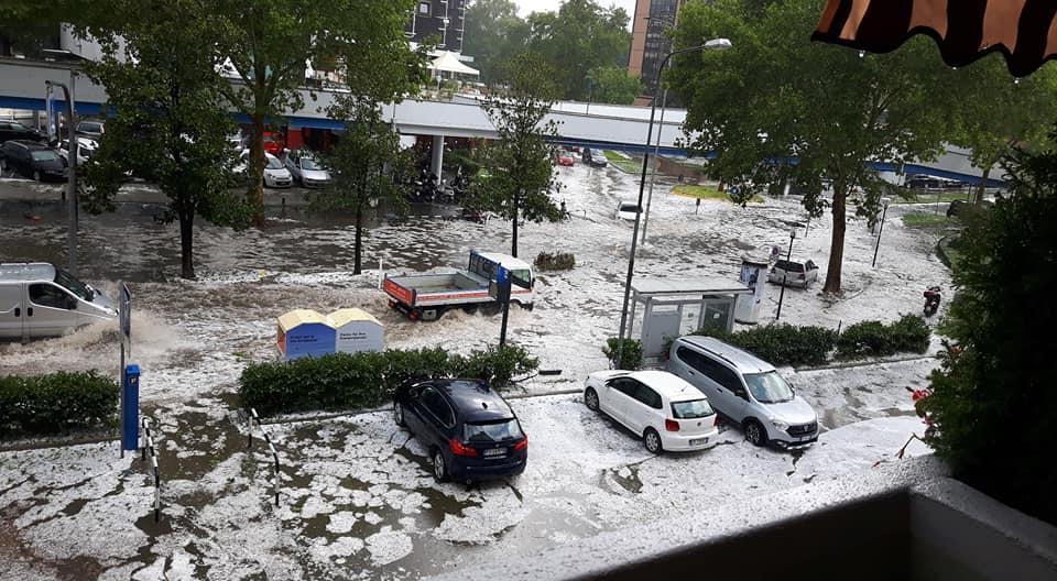 Violento temporale e grandine, danni in tutta Bolzano