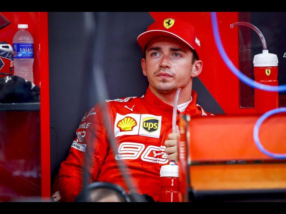 Gp Singapore, libere: Verstappen su Vettel, guai al cambio per Leclerc