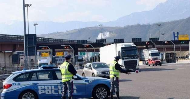 Fermato al casello di Bolzano sud, nella sua auto la polizia trova della cocaina - Alto Adige