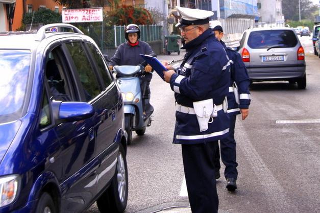 Nel 2016 decurtati 22 mila punti patente - Bolzano - Alto Adige