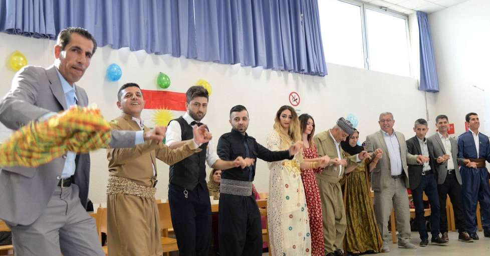 La festa per il capodanno curdo bolzano alto adige for Bressanone capodanno