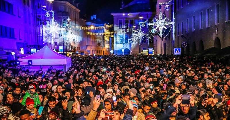 Tutti in piazza per capodanno 30 mila persone alle feste for Bressanone capodanno