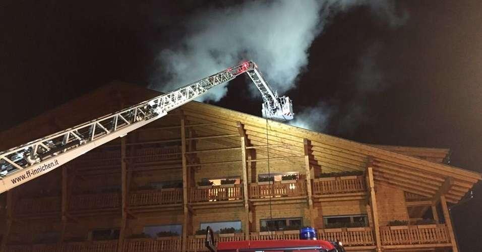 Incendio nella notte al bad moos l 39 hotel delle vacanze di for Hotel val fiscalina